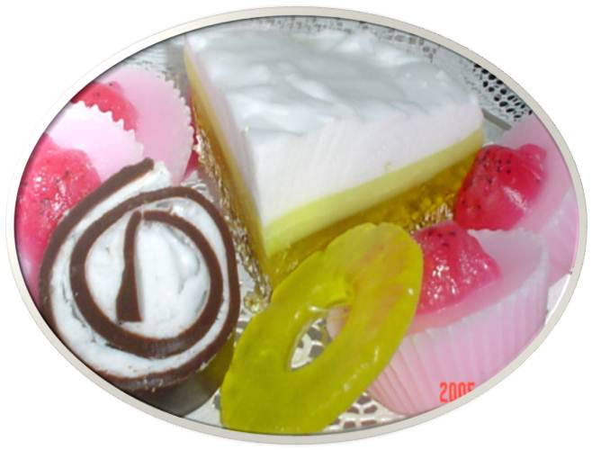 swiss-roll-lemon-meringue-pie-strawberry-cupcake-soaps